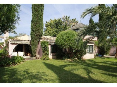 단독 가정 주택 for sales at Delightful beachside single-storey house situated   Marbella, Costa Del Sol 29670 스페인