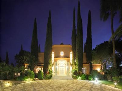 Maison unifamiliale for sales at Stunning villa in New Golden Mile  Benahavis, Costa Del Sol 29679 Espagne