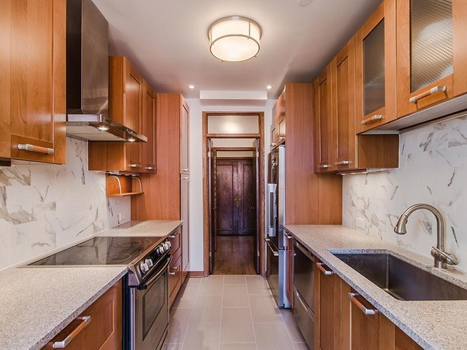 Appartement for sales at La Calliere 137 Rue St-Pierre, apt. 201 Montreal, Québec H2Y 2T5 Canada