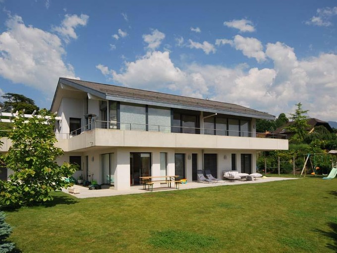 Moradia for sales at Individual villa with 6.5 rooms  St-Legier, Vaud 1806 Suíça