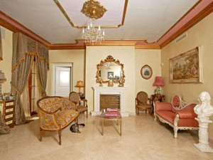 Additional photo for property listing at Beautifully Presented Villa With Sea Views  Estepona, Costa Del Sol 29680 Spain
