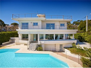 Otros residenciales for sales at Front sea view villa with swimming pool  Cap D'Antibes, Provincia - Alpes - Costa Azul 06160 Francia