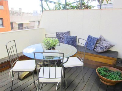 Condominio for sales at Lovely Penthouse Just Steps from the Retiro Park  Madrid, Madrid 28009 Spagna