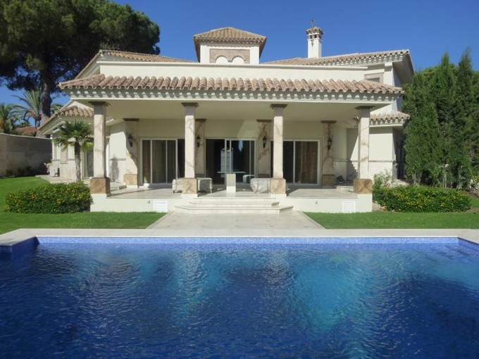 Maison unifamiliale for sales at Beautiful villa situated in a prestigious urbaniza  Marbella, Costa Del Sol 20322p Espagne