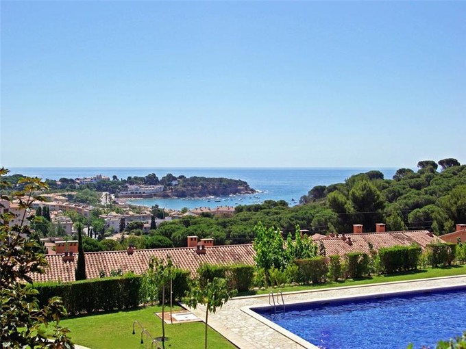 Terreno for sales at Terraced house 600 m from the beach of S'Agaró  S'Agaro, Costa Brava 17248 Espanha
