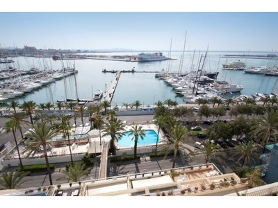 Appartement for sales at Elegant flat with views over the Paseo Marítimo  Palma Paseo Maritimo, Majorque 07181 Espagne