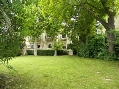 Частный односемейный дом for sales at City Mansion  Marseille, Прованс-Альпы-Лазурный Берег 13008 Франция