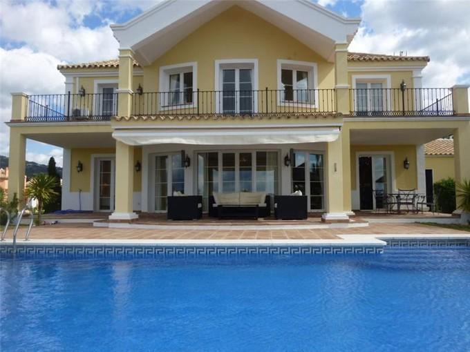 Vivienda unifamiliar for sales at Maravillosa villa de estilo clasica  Benahavis, Costa Del Sol 29679 España