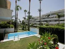 Căn hộ for sales at A superb apartment in a frontline beach developmen  Marbella, Costa Del Sol 29660 Tây Ban Nha