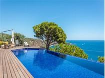 Moradia for sales at Extraordinary villa with stunning Mediterranean vi    Sant Feliu De Guixols, Costa Brava 17220 Espanha