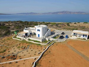 Additional photo for property listing at Villa Chloe  Paros, Southern Aegean 84400 Greece