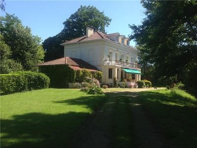 Maison unifamiliale for sales at Bayonne, rive droite  Biarritz, Aquitaine 64200 France