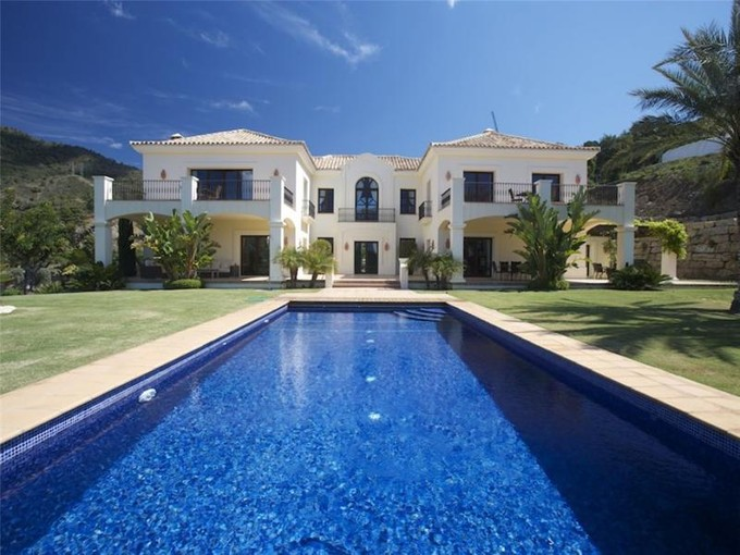 Частный односемейный дом for sales at Spectacular villa in the most exclusive location  Benahavis, Costa Del Sol 29679 Испания