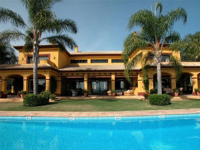 Villa for sales at Outstanding residence with breathtaking seaviews  Benahavis, Costa Del Sol 011033p Spagna