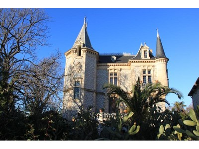 Vivienda multifamiliar for sales at BEAUTIFUL CASTLE IN NARBONNE  Narbonne, Languedoc-Rosellón 11000 Francia