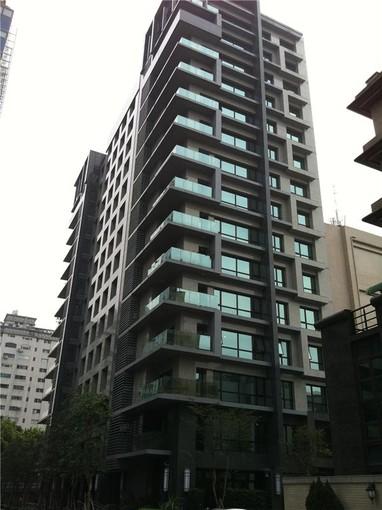 Apartment for sales at Evergreen Towers Sec. 2, Jianguo N. Rd., Zhongshan Dist. Taipei City, Taiwan 104 Taiwan