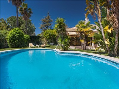 Single Family Home for sales at Perfect and charming family villa   Estepona, Costa Del Sol 29680 Spain