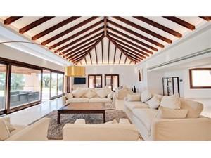 Additional photo for property listing at Unique contemporary villa  Marbella, Costa Del Sol 29600 Espanha