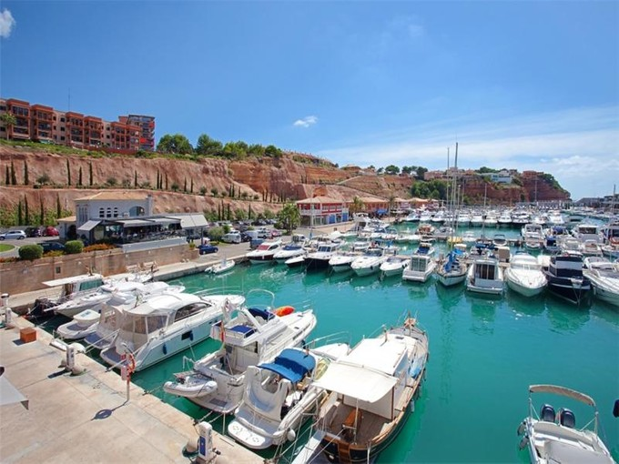 Appartamento for sales at Immaculate Penthouse in Santa Ponsa  Calvia, Maiorca 07180 Spagna
