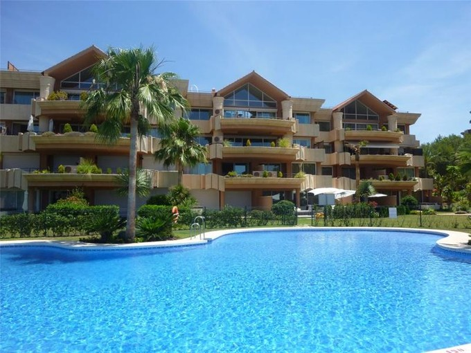 Appartement for sales at Wonderful apartment in the golf valley  Marbella, Costa Del Sol 29660 Espagne