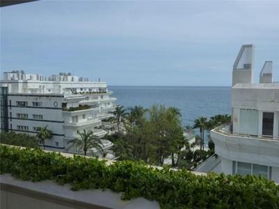 Apartamento for sales at Large apartment in Marbella Town  Marbella, Costa Del Sol 29600 Espanha
