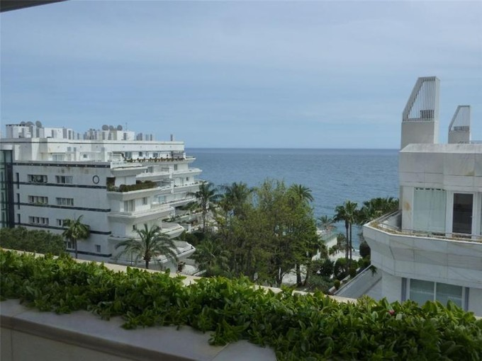 Appartement for sales at Large apartment in Marbella Town  Marbella, Costa Del Sol 29600 Espagne