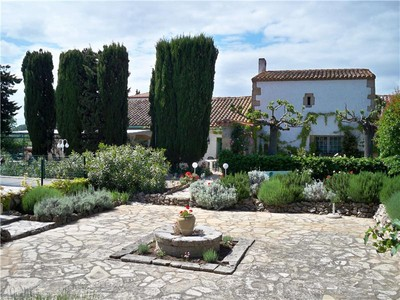 Multi-Family Home for sales at NARBONE PROPERTY BETWEEN SEA AND VINEYARD  Narbonne, Languedoc-Roussillon 11000 France