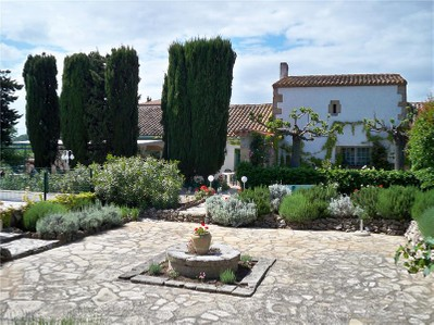 Maison avec plusieurs logements for sales at NARBONE PROPRIETE ENTRE MER ET VIGNOBLES  Narbonne, Languedoc-Roussillon 11000 France