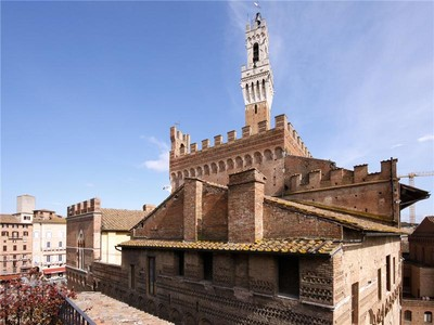 Appartement for sales at Beautiful apartment with views of Piazza del Campo  Siena, Siena 53100 Italie