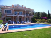 Nhà ở một gia đình for sales at Family villa with fantastic lake and mountain view    Marbella, Costa Del Sol 29611 Tây Ban Nha