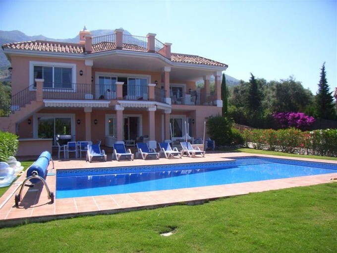 独户住宅 for sales at Family villa with fantastic lake and mountain view  Marbella, Costa Del Sol 29611 西班牙