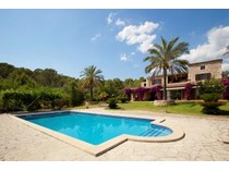 Casa para uma família for sales at Finca with views over the Mallorcan countryside    Bunyola, Palma De Maiorca 07110 Espanha