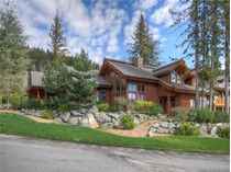 Casa Unifamiliar for sales at Architecturally Designed Mountain Chalet 4118 Sundance Drive   Sun Peaks, British Columbia V0E 5N0 Canadá