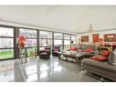 Appartements for sales at Maison Moderne avec Terrasse/jardin et Spa - Lafitte  Neuilly,  92200 France