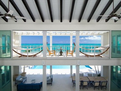 단독 가정 주택 for sales at Azure Villa Beachfront Blue Mountain, 프로비덴시알레스섬 TCI BWI 터크스 케이커스 제도