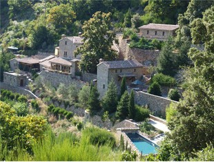 Multi-Family Home for sales at HAMEAUX CEVENNOLS AUX PRESTATIONS UNIQUES !!  Uzes, Languedoc-Roussillon 34190 France