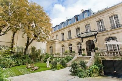 Autre Bien Résidentiel for sales at Private Mansion - Trocadero  Paris, Paris 75116 France