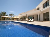 Property Of Impressionnante villa avec vues sur la mer