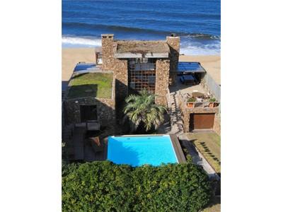 """Casa para uma família for rentals at La Pirca Route 10, Front to """"Punta Piedras""""  La Barra, Maldonado 20001 Uruguai"""