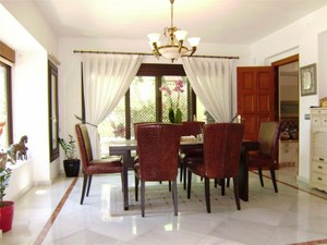 Additional photo for property listing at Delightful villa located in the Golden Mile  Marbella, Costa Del Sol 29600 Spain