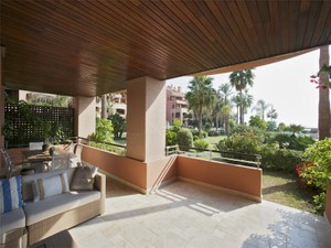 Additional photo for property listing at Frontline Beach apartment in 24 hour security urba  Marbella, Costa Del Sol 29660 Spain