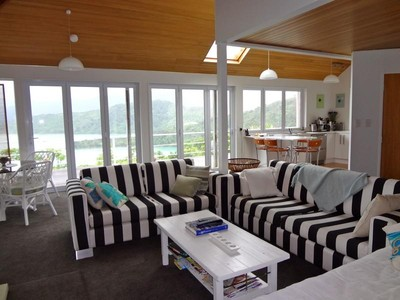 Moradia for sales at 2948 Kenepuru Road, Portage Bay, Marlborough Sound  Marlborough Sounds, Marlborough 7282 Nova Zelândia
