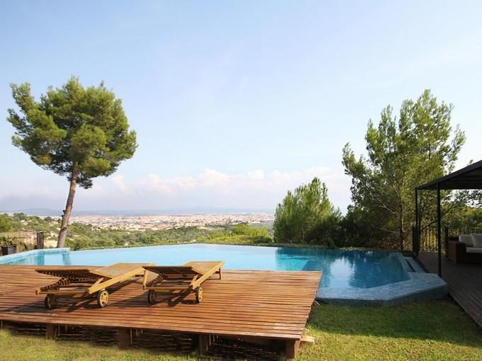 Mehrfamilienhaus for sales at 8 Schlafzimmer Villa Mit Meerblick   Palma Son Vida, Mallorca 07013 Spanien