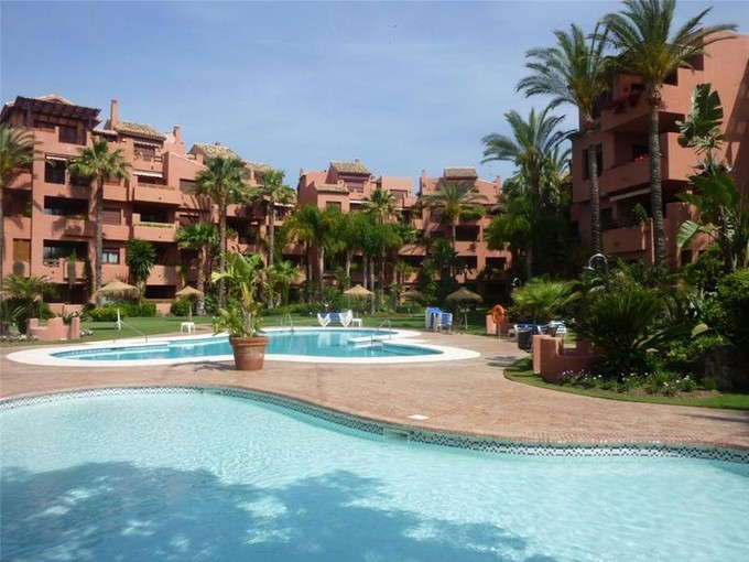 Tek Ailelik Ev for sales at Beachside apartment Marbella East  Marbella, Costa Del Sol 20605p Ispanya