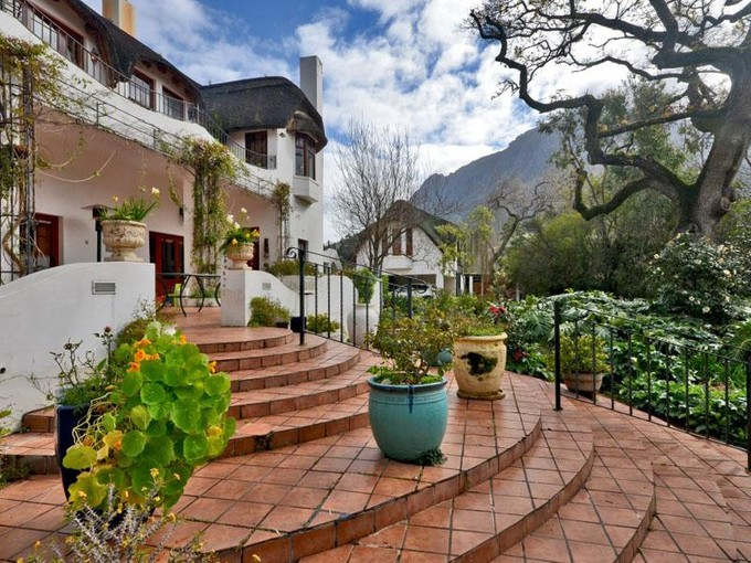 Çok Ailelik Ev for sales at Secluded lifestyle property in breathtaking Valley  Stellenbosch, Bati Cape 7600 Güney Afrika