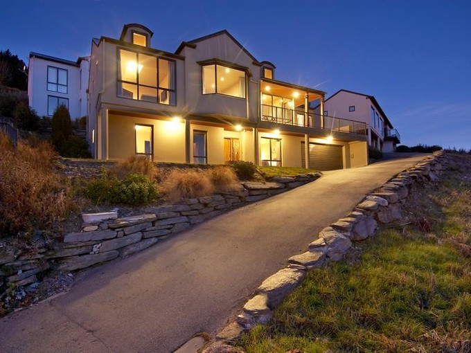 Einfamilienhaus for sales at 56C Kerry Drive, Queenstown  Queenstown, Southern Lakes 9300 Neuseeland