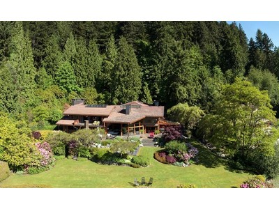 Maison unifamiliale for sales at A Waterfront Estate Property 5345 Indian River Drive  North Vancouver, Colombie-Britannique V7G 2T6 Canada