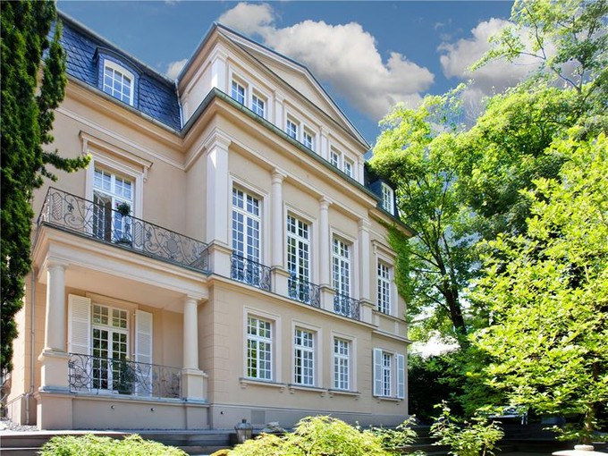 Maison unifamiliale for sales at Majestic Estate in Prime Location  Wiesbaden, Hesse 65193 Allemagne