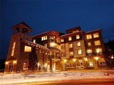 Condomínio for sales at Two Bedroom with Commanding Mountain Views 301-3270 Village Way  Sun Peaks, Columbia Britanica V0E 5N0 Canadá