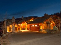 Casa Unifamiliar for sales at Ski - In / Ski - Out Log Post & Beam Chalet 4253 Bella Vista Drive   Sun Peaks, British Columbia V0E 5N0 Canadá